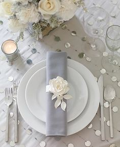 Silver Wedding Decor Ideas ★ silver wedding decor ideas place setting with white rose philip ficks All brides likes a little bit of sparkle! Look through our gallery below to see silver wedding decor ideas from real weddings. Wedding Places, Wedding Menu, Elegant Wedding, Wedding Ideas, Wedding Reception, Wedding Inspiration, Table Wedding, Wedding Blog, Wedding Rings
