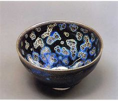 A Post on Japanese Ceramics History - Contemporary International and Japanese Art Gallery in Paris - MIZEN Fine Art Japanese Ceramics, Chinese Ceramics, Japanese Pottery, Ceramic Clay, Porcelain Ceramics, Ceramic Bowls, Japanese Tea Cups, Japanese Art, Japanese Design