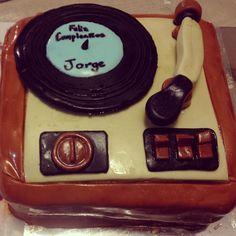 Tornamesa pastel para mi marido.  Feliz cumpleaños 2014