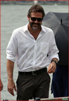Jeffrey Dean Morgan nació el 22 de abril de 1966 actualmente interpreta el personaje Ike Evans en la serie Magic City