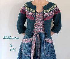 ~GNIST~ Knit Patterns, Clothing Patterns, Farm Fashion, Unique Roses, Fair Isle Pattern, Fair Isle Knitting, Long Jackets, Knit Jacket, Knit Crochet