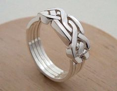 CloseoutWarehouse Oxidized Sterling Silver Double Band Puzzle Ring