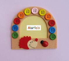 felt fridge magnet as photo frame (with Jelena P) Felt Keychain, Crafts For Kids, Arts And Crafts, Felt Pictures, Felt Patterns, Food Crafts, Sewing For Kids, Picture Frames, Projects To Try