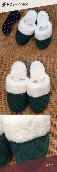 "NWT Victoria's Secret Green Knit & Fur Slippers New in bag - green cable knit slippers from Victoria Secret with luxe off white faux fur nubby lining.  Free sleep eye mask included with purchase. Condition - bag has been torn open to photograph.  ""Stuffing"" still in toes, slippers still attached to each other. Size: Medium (7-8) Length: 11"" total Width: 4"" at narrowest Victoria's Secret Shoes Slippers"