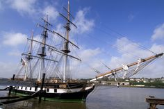 Want to capture the feeling of your ancestors as they left their beloved emerald isle? The Dunbrody Famine ship provides an authentic reproduction of 1840s emigration.