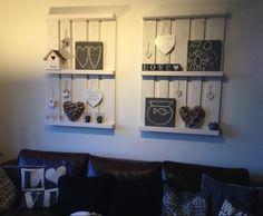 Pallets als wanddecoratie Wood Decor, Home Living Room, Diy Furniture, Rustic Decor, Distressed Furniture, Home Decor, Home Deco, Home Diy, Indoor Decor