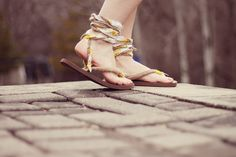 i love this idea. dyi summer sandals.