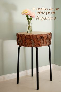 DIY Log table from log slice and ikea stool base. Log Table, Tree Stump Table, Rustic Table, Wood Tables, Rustic Wood, Farm Tables, Tree Stump Decor, Rustic Decor, Log End Tables