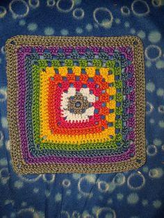 Ravelry: Split Granny Square pattern by Joanita Theron Knitted Shawls, Crochet Shawl, Crochet Baby, Crochet Blankets, Granny Square Slippers, Granny Square Blanket, Granny Squares, Crochet Granny Square Beginner, How To Make Tassels