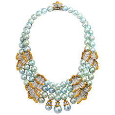 Buccellati necklace of blue-gray cultured pearls, 18k gold and diamonds - See more at: http://thejewelryloupe.com/ultimate-jewelry-wish-list-for-the-holidays/#sthash.s6ujzsbb.dpuf