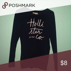 Long sleeve Hollister top Cute and comfy navy blue long sleeve shirt from Hollister :) Hollister Tops Tees - Long Sleeve