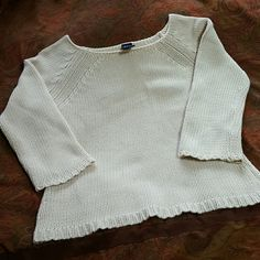 *SALE* Gap knit cropped sweater Beautiful cropped 3/4 sleeve sweater by gap, cream/oatmeal color, crochet detailing on arms and hem, size xs but can fit a small, great condition, no rips/stains/pilling/etc. GAP Sweaters Crew & Scoop Necks