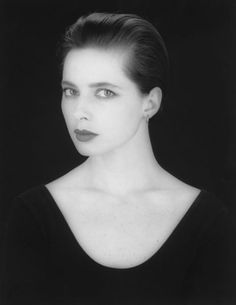 ISABELLA ROSSELLINI BY ROBERT MAPPLETHORPE. A very beautiful lady just like her Mother.