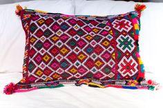 KILIM PILLOW | MOROCCAN Kilim Pillow | Vintage Kilim Cushion | 23.5x16 by MoroccanMaison on Etsy