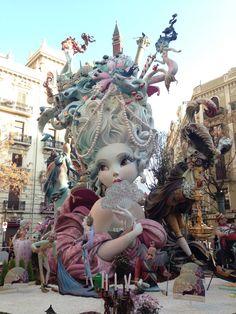 Falla Maestro Gozalbo 2015. Ganadora de Sección Primera A de las Fallas de Valencia. Samba, Spanish Holidays, Festivals Around The World, Shadow Puppets, Fantasy Landscape, Spain Travel, The Little Mermaid, Sculpture, Fine Art