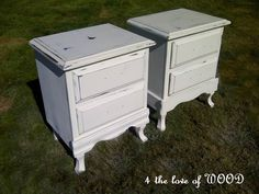 4 the love of wood: Great website with step by step instructions on how to distress furniture and other paint techniques.