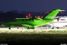 #Cessna 510 Citation Mustang, lokalizacja: Gdańsk - Port lotniczy im. Lecha Wałęsy (EPGD), autor: Michał Franczyk | #airport #epgd #gdansk #nightshot
