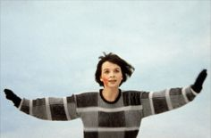 A gallery of Mauvais sang publicity stills and other photos. Featuring Juliette Binoche, Denis Lavant, Michel Piccoli, Julie Delpy and others. Juliette Binoche, Sad Movies, Iconic Movies, Cinema Art, Sing Movie, The Imitation Game, Jean Luc Godard, Ingmar Bergman, Film Inspiration