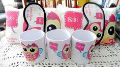 Kit de lembranças personalizadas com tema corujinha, para serem oferecidas aos participantes da festa do Pijama. Podem ser personalizados com qualquer tema.  Cada kit contém:  1 - Almofada 20x30  2 - Caneca Plástica 400 Ml  3 - Máscara de dormir.