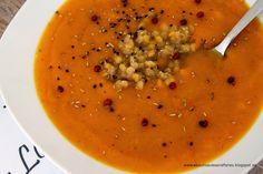 Kürbissuppe mit feiner Vanillenote und roten Linsen {www.aboutloavesandfishes.blogspot.de}  Pumpkin Soup with Vanilla and red lentils