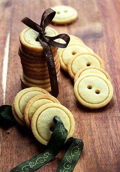Inspiration Archive  |  inspiratielade > Koken > Om te geven Button Cookies, Cookie Recipes, Dessert Recipes, Tea Recipes, Candy Recipes, Butter Cookies Recipe, Sugar Cookies, Shortbread Cookies, Granola Cookies