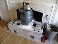 mini rocket mass heater (rocket stoves forum at permies) | Adaptable heater with a smaller footprint than most.