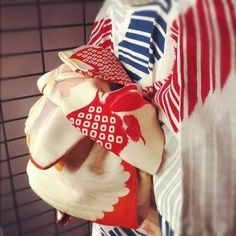 帯結び Yukata, Japanese Kimono, Traditional Outfits, 4th Of July Wreath, Asian, Pattern, Rising Sun, Color, Girls