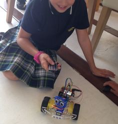 You can program your own robot, what can you make it do? Robotics, Vacuums, Home Appliances, Club, Canning, How To Make, House Appliances, Robots, Robot