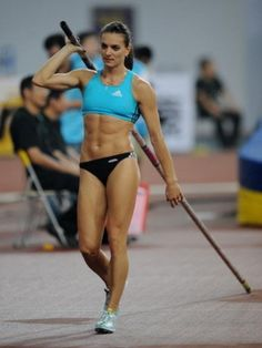 Olympic champion Yelena Isinbayeva of Russia prepares to jump before winning the women's pole vault event at the 2008 Shanghai Golden Grand Prix track and field event in Shanghai on September Get premium, high resolution news photos at Getty Images Allyson Felix, Pole Vault, Beautiful Athletes, Athletic Girls, Olympic Athletes, Olympic Champion, Gymnastics Girls, Sporty Girls, Muscle Girls