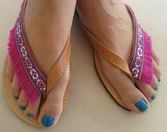 Zapatos de Bohemia. Sandalias de cuero de oro por lizaslittlethings