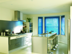These #blue venetian works brilliant in the kitchen. #Home #Interiors #bold #bright