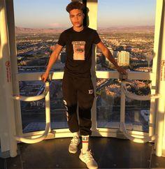Ver esta foto do Instagram de @brianhwhittaker • 36 mil curtidas Brian Whittaker, Pretty Boys, Beautiful Boys, Forever 21 Men, Grunge Boy, Photography Poses For Men, Perfect Boyfriend, Fine Boys, Black Boys