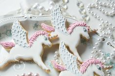 How to decorate winged-unicorn cookies