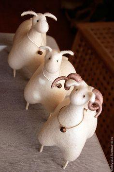 Барашек войлочный Рогатый. Handmade.