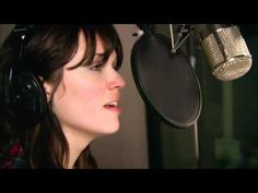 """Mandy Moore &  Zachary Levi   Tangled """"I See the Light"""" - I love this song.."""