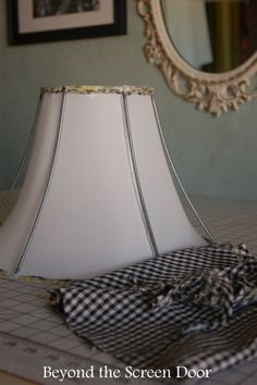 How to Recover  A Lamp Shade (28)