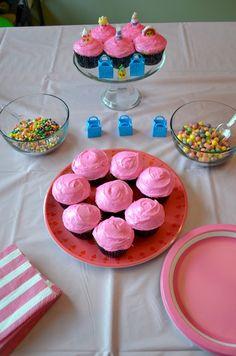 Shopkins Summer Playdate Shopkins Cupcake decorating! #Shopkins
