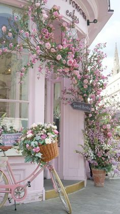 7a85c723c2 Wedding venue floral decor. Beautiful♥ ♥ Shabby Chic Cafe, Shabby Chic