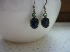 MONTANA SAPPHIRE, PERIDOT GREEN AND PATINA BRASS VINTAGE EARRINGS.  1026 £9.99
