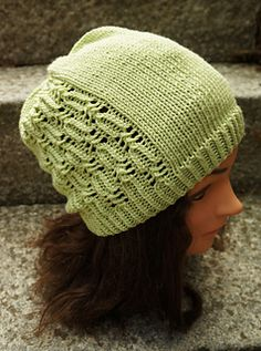 Lupaus is a basic slouchy hat with an easy lace section. The size is easily adjustable.