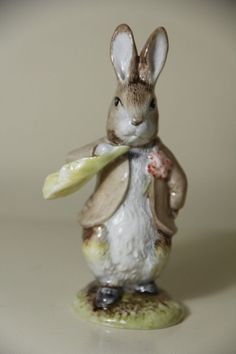 ROYAL ALBERT  Benjamin ate a lettuce Leaf   Beatrix Potter collection  4.8 inche #Figurines