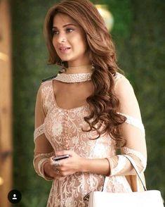 Jennifer winget as Zoya Indian Look, Dress Indian Style, Indian Dresses, Indian Outfits, Jennifer Winget Beyhadh, Eid Outfits, Indian Tv Actress, Beautiful Suit, Dress Neck Designs