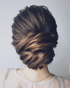 ✧ Hair : Pinterest @jpsunshine10041✧ Beautiful chignon wedding hairstyle