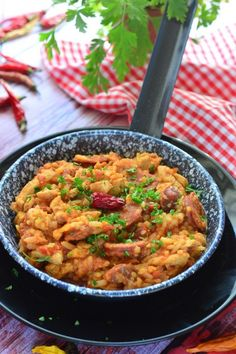 Jambalaya recept - basmati vagy barnarizs Kifőztük, online gasztromagazin Meat Recipes, Asian Recipes, Cooking Recipes, Ethnic Recipes, Asian Foods, Jambalaya, Meal Prep, Curry, Food And Drink