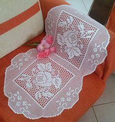 Social Media Marketing services for the business of interior design - Crochet Filet Crochet Fabric, Crochet Doily Patterns, Crochet Motif, Crochet Designs, Crochet Doilies, Tablecloth Fabric, Crochet Tablecloth, 5 Diy Crafts, Crochet Toddler Dress
