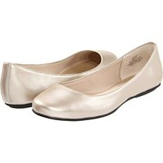 strong possibility, comes in wide and would def. dress them up....just not sure about the black sole.... mojulia