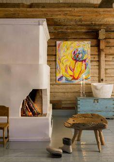 Anu Pentikin tunnelmallinen porokartano | Meillä kotona Nordic Home, Scandinavian Home, House Paint Interior, Interior Decorating, Paint Your House, Cottage Design, Wooden House, Cottage Homes, Rustic Interiors