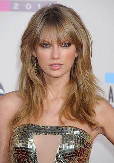 Taylor Swift hair fringe American Music Awards 2013