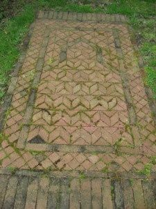 brick patterns | outdoor rug using old bricks | Garden Ideas