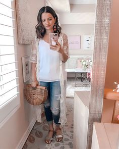 823dec1e1fee Summer 2018 Cute Summer Blogger Outfit Lace Kimono Distressed Jeans Cult  Gaia Dupe Bag
